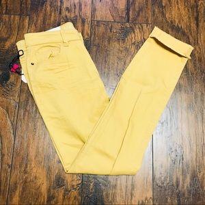 Junior's 5 Vanilla Star Tan Jeans NWT